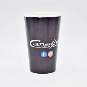 Personnalisation d'un gobelet en carton pour boissons froides.