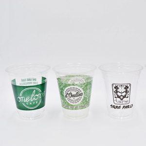 Trois gobelets plastique personnalisés PET
